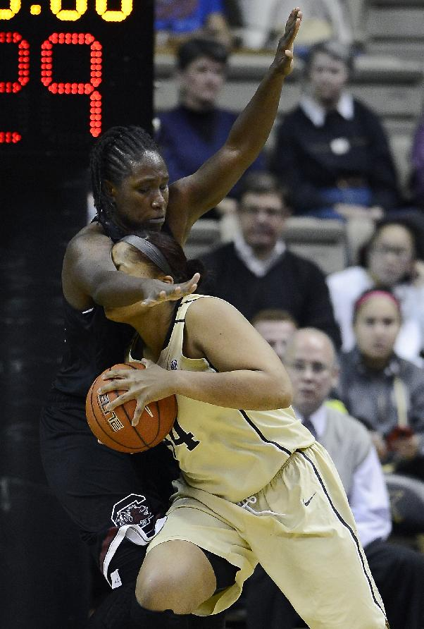 Vanderbilt forward Rayte'a Long (44) tries to get past South Carolina forward Aleighsa Welch (24) in the second half of an NCAA college basketball game, Sunday, Jan. 26, 2014, in Nashville, Tenn. South Carolina won 61-57