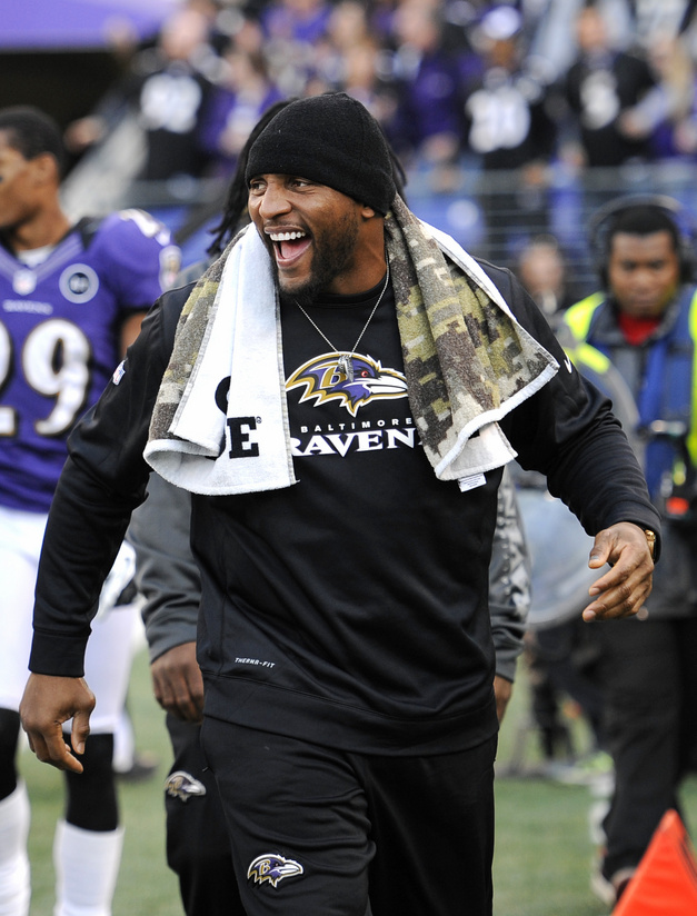 Ray Lewis reacts after a touchdown during the Ravens' Week 16 victory over the Giants. (AP)