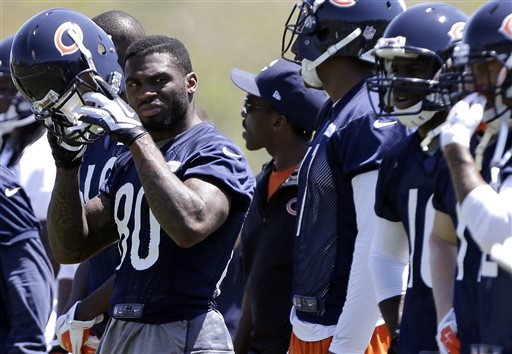 Chicago Bears' Earl Bennett (80) looks around during NFL football minicamp, Tuesday, May 14, 2013, in Lake Forest, Ill