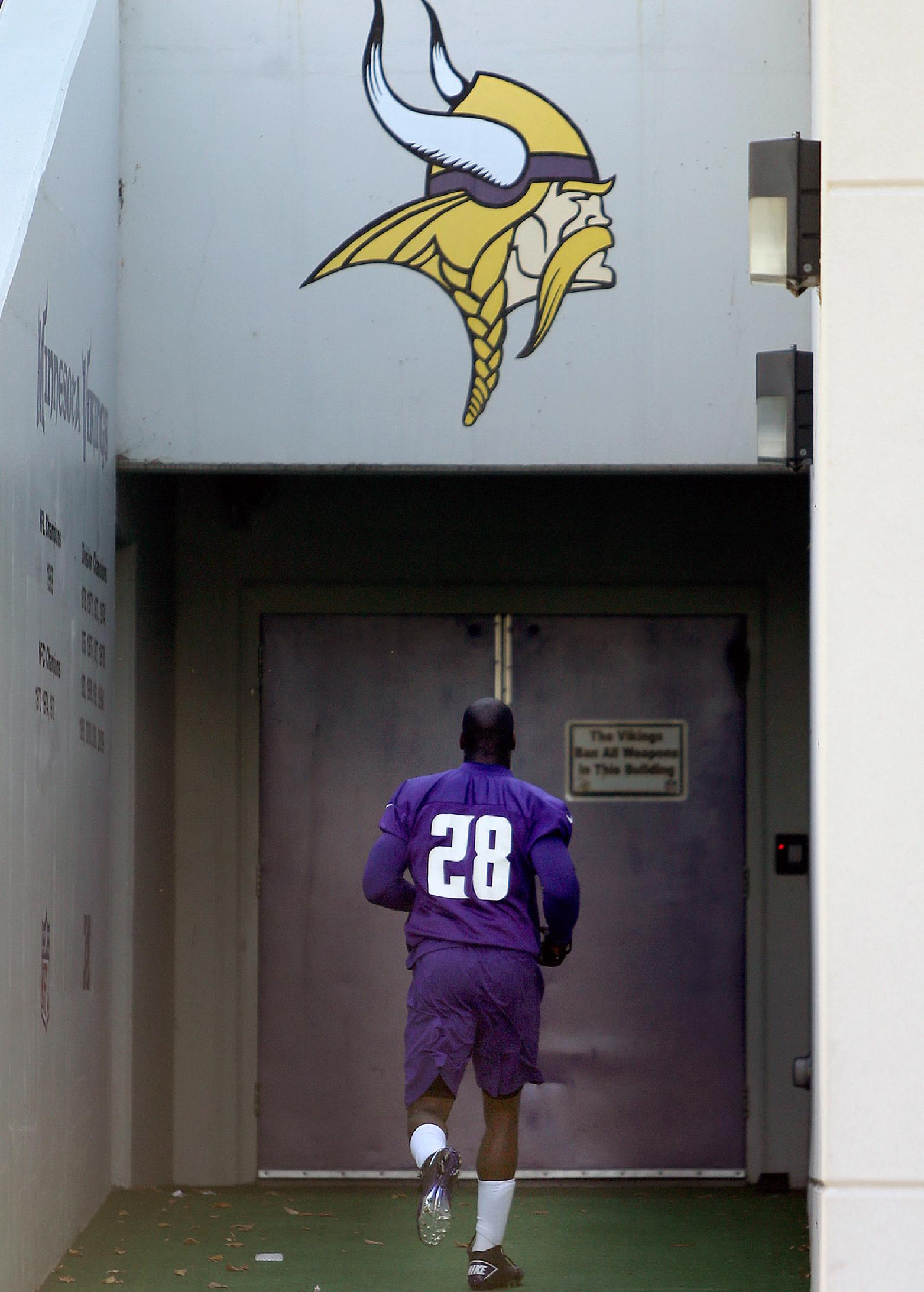 Adrian Peterson told reporters Friday that he planned to play Sunday. (AP)
