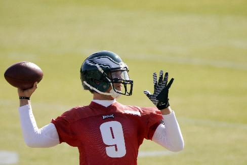 Philadelphia Eagles quarterback Nick Foles throws a pass during practice at the NFL football team's training facility, Tuesday, Oct. 29, 2013, in Philadelphia