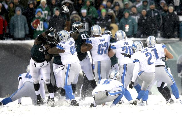 Detroit Lions' David Akers(2) has his point after attempt blocked during the second half of an NFL football game, Sunday, Dec. 8, 2013, in Philadelphia