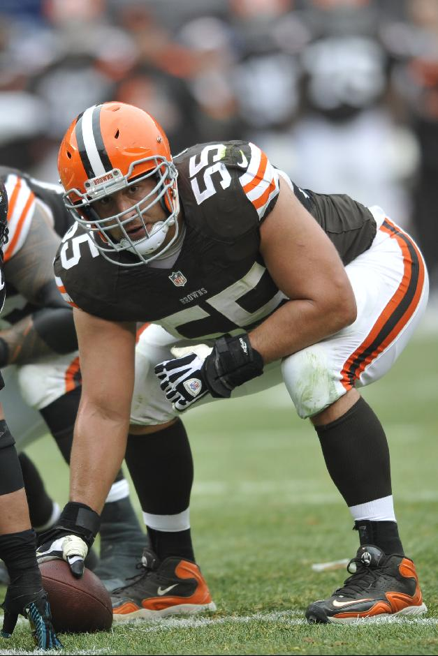 Cleveland Browns center Alex Mack (55) in action during an NFL football game against the Jacksonville Jaguars Sunday, Dec. 1, 2013, in Cleveland. Jacksonville won 32-28