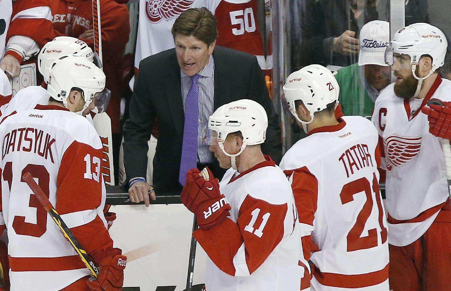 Ignore All The Rumors: Mike Babcock Will Remain With The Red Wings For Another Season