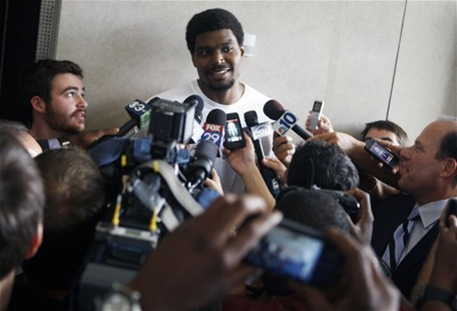 Bynum receives rock star welcome in Philadelphia The Associated Press