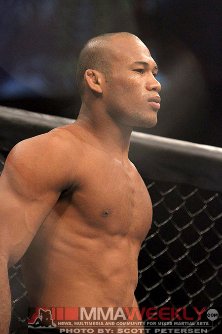 UFC on FX 8 Results: Jacare Souza Makes Quick Work of ...