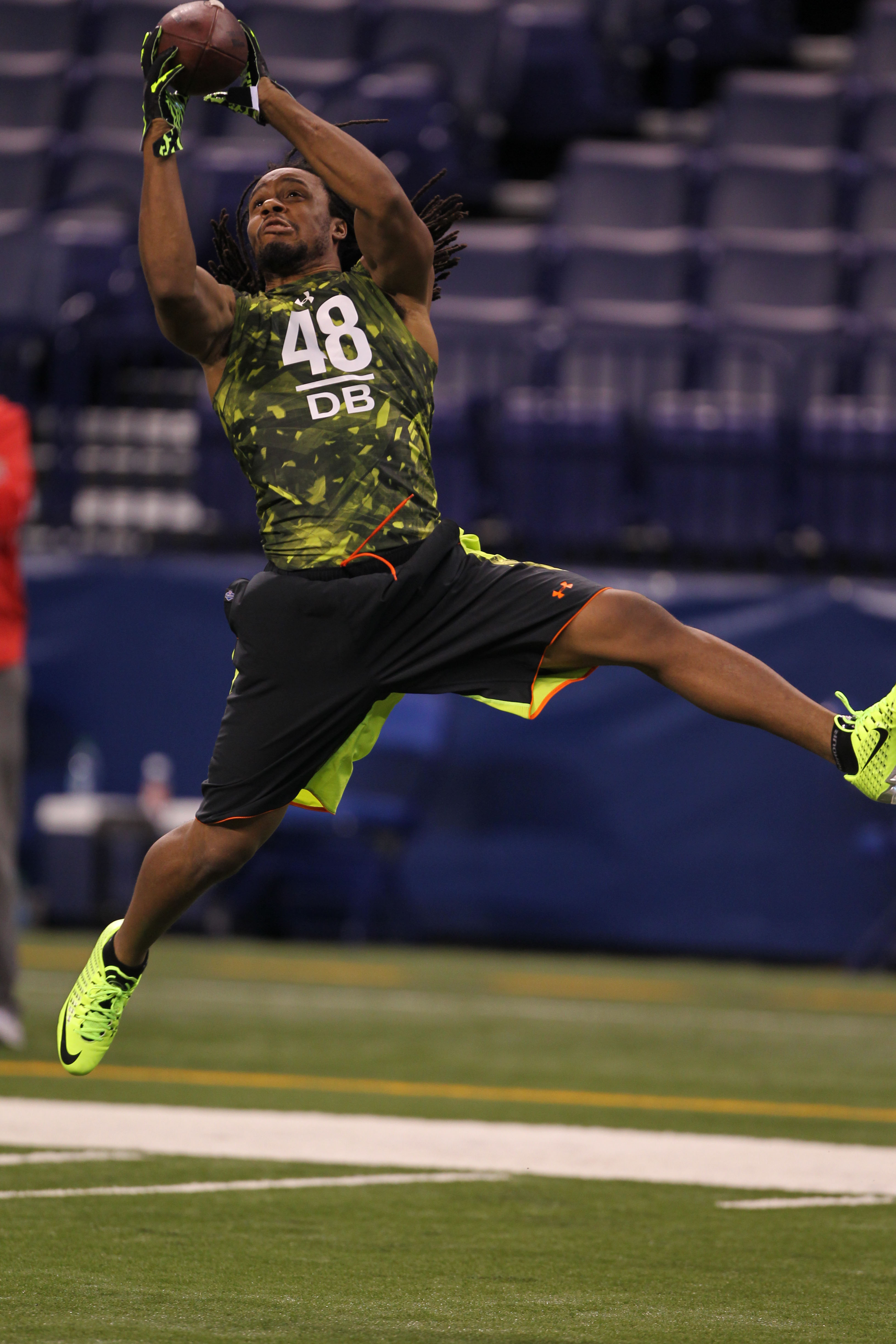 Fresno State DB Phillip Thomas catches a pass during the NFL scouting combine. (USA TODAY Sports)