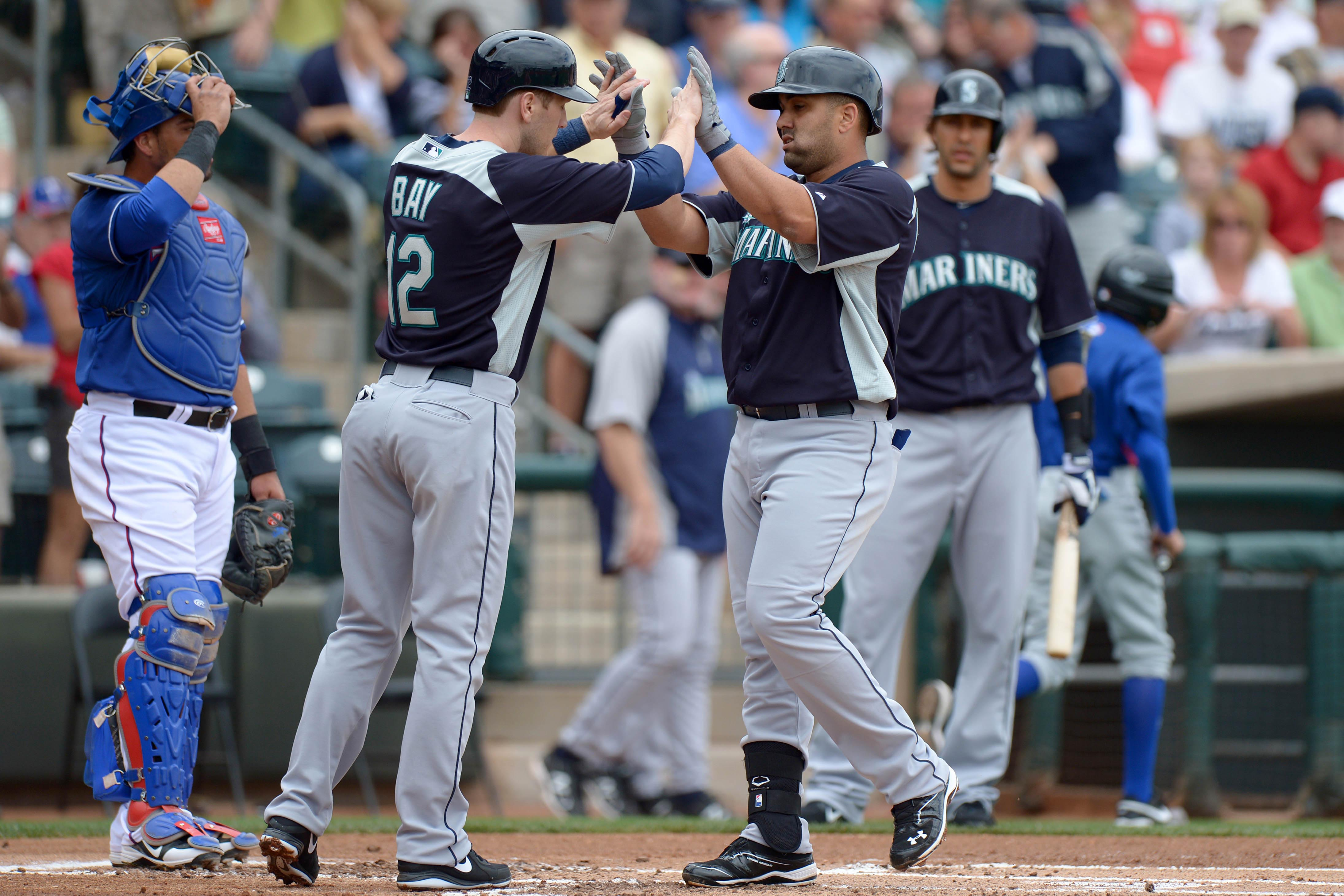 Jason Bay and Kendrys Morales celebrate after a home run. (USA Today Sports)