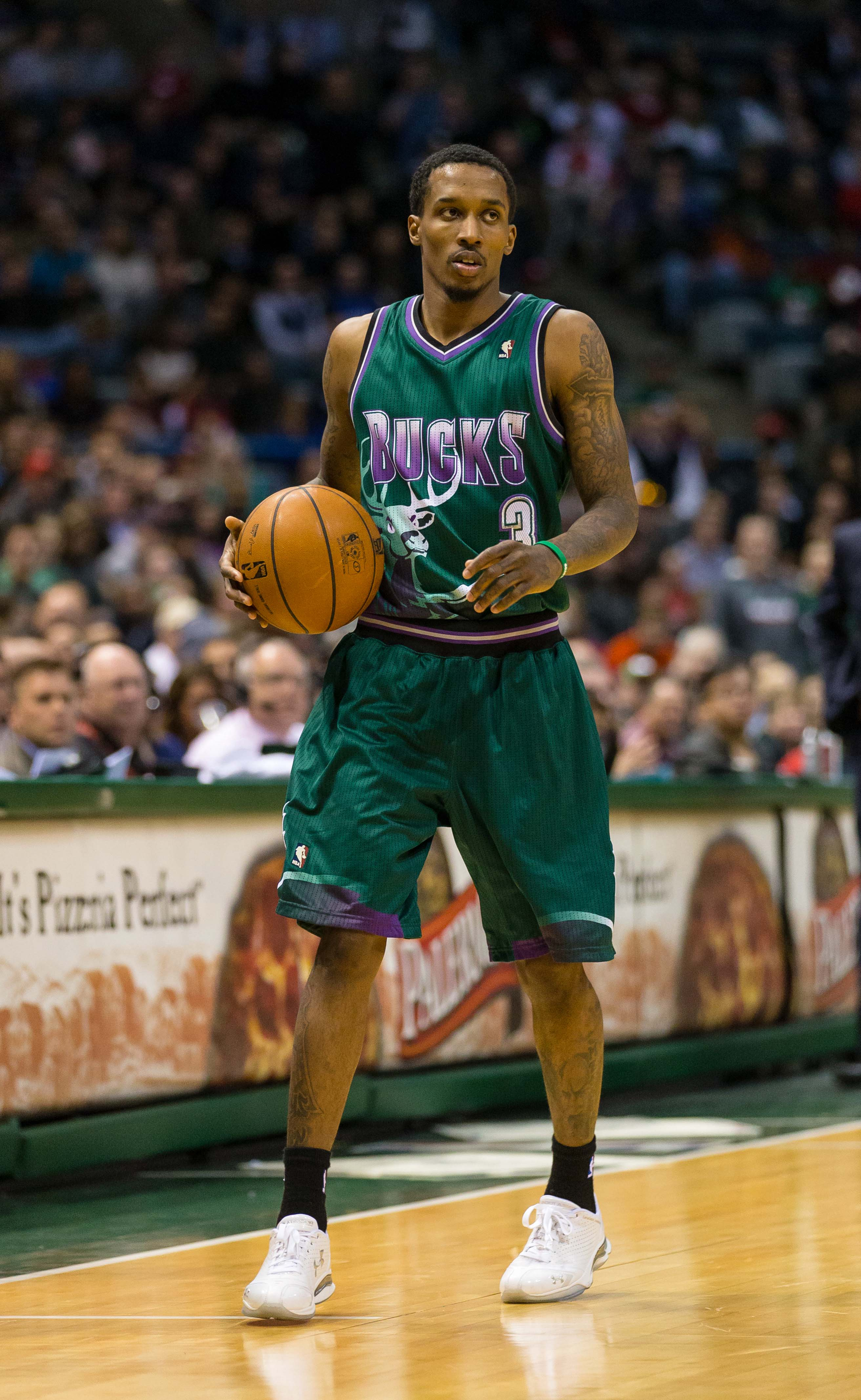 Brandon Jennings expects a big contract and team improvements if the Bucks want to keep him. (USA Today Sports)