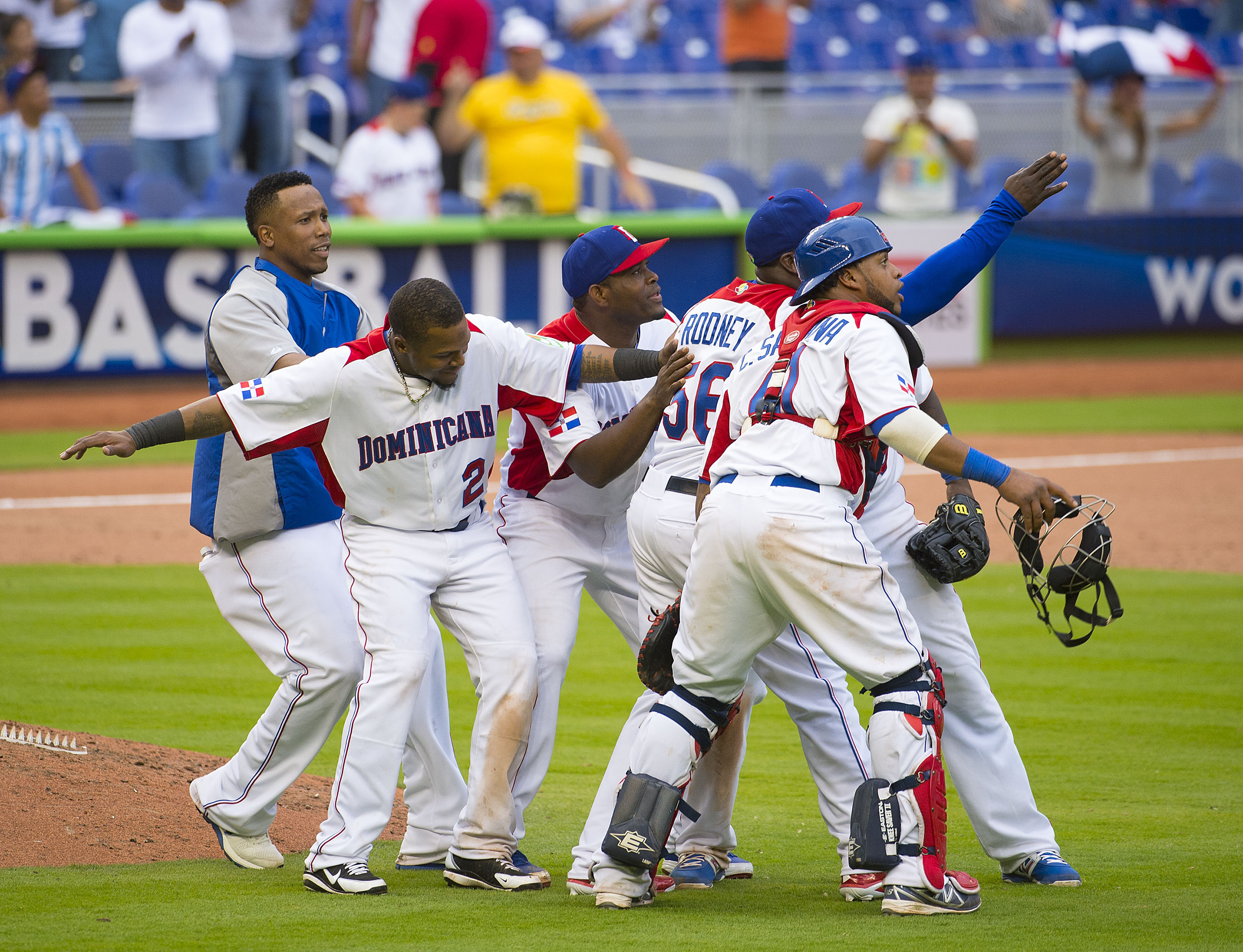 The Dominicans rallied from a 4-0 deficit to beat Team Italy in the WBC on Tuesday. (USA Today Sports)