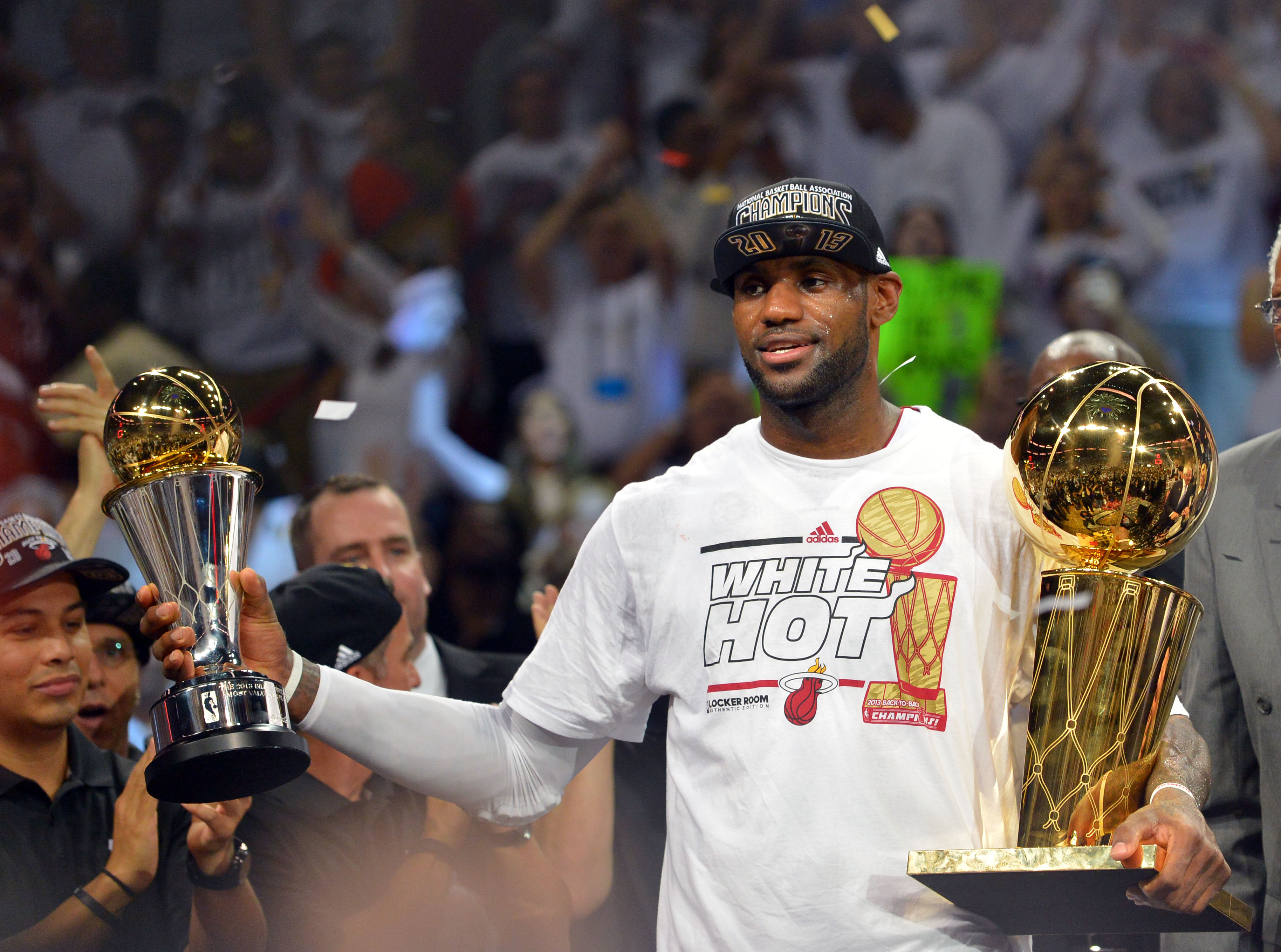 Will LeBron James want to try to deliver a championship to Cleveland? (USA Today Sports)