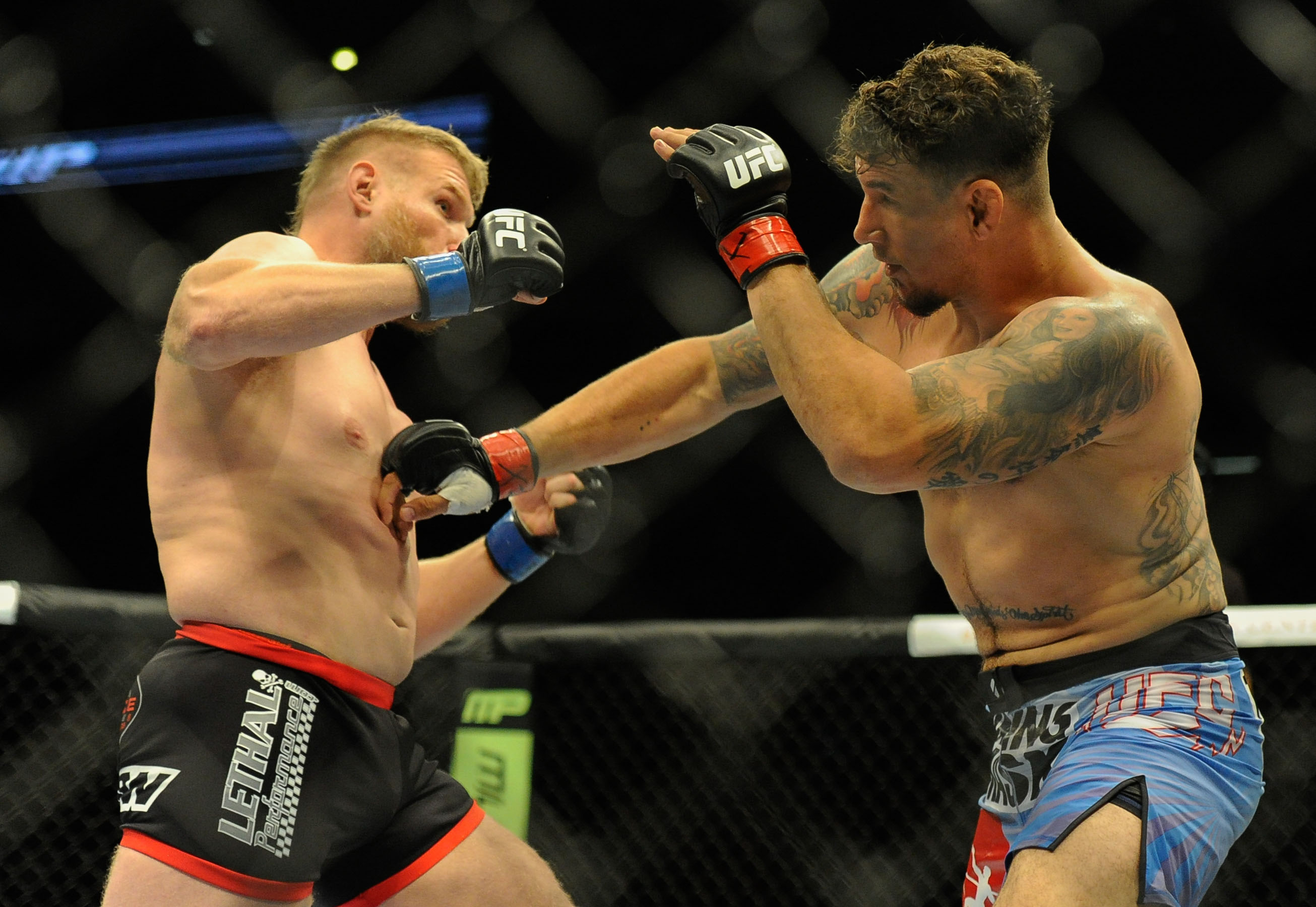 Josh Barnett had Frank Mir reeling early in their UFC 164 bout. (USA Today)