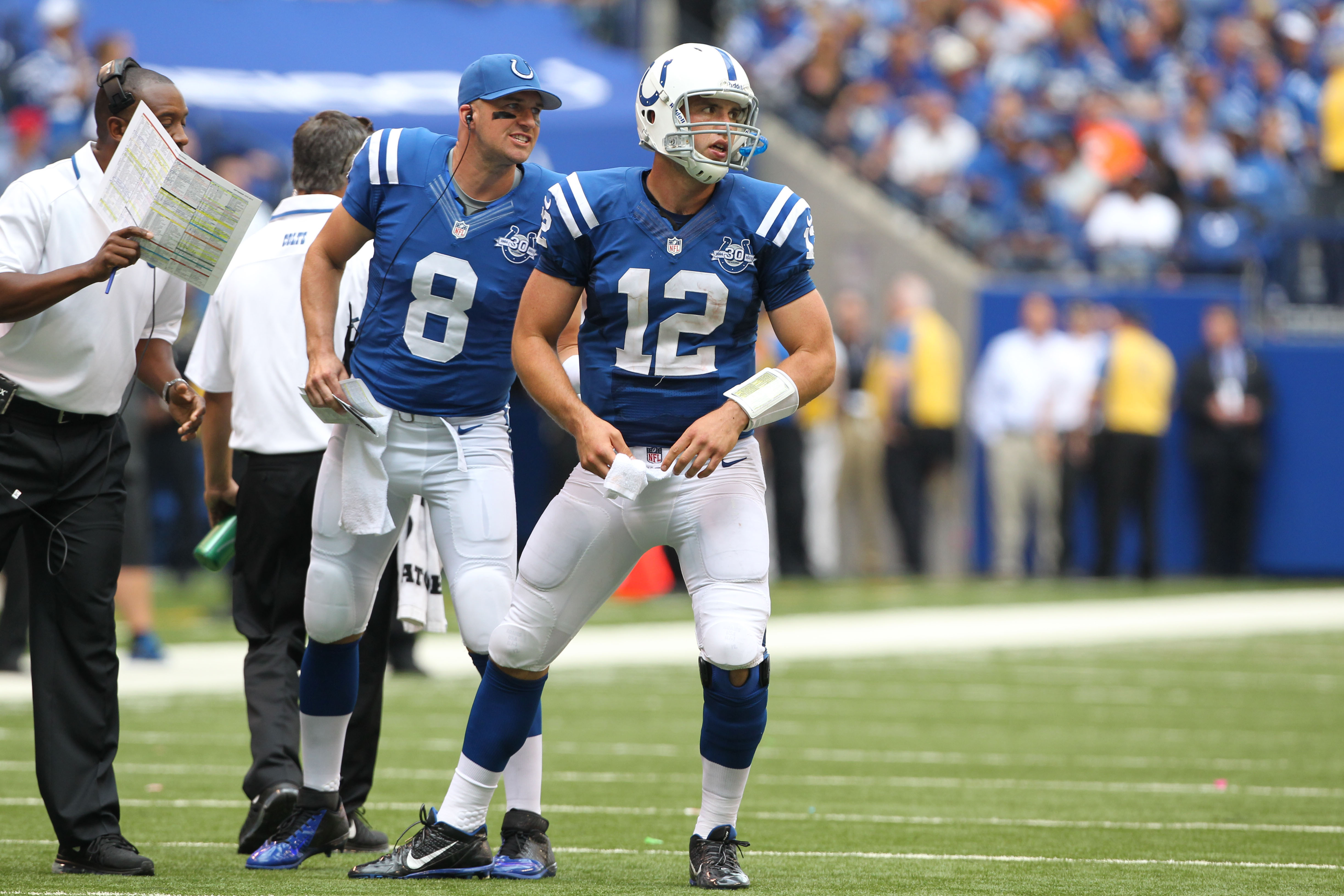 Matt Hasselbeck (8) wants a shot at another Super Bowl, even if he isn't the leading man in Indy. (USA TODAY Sports)