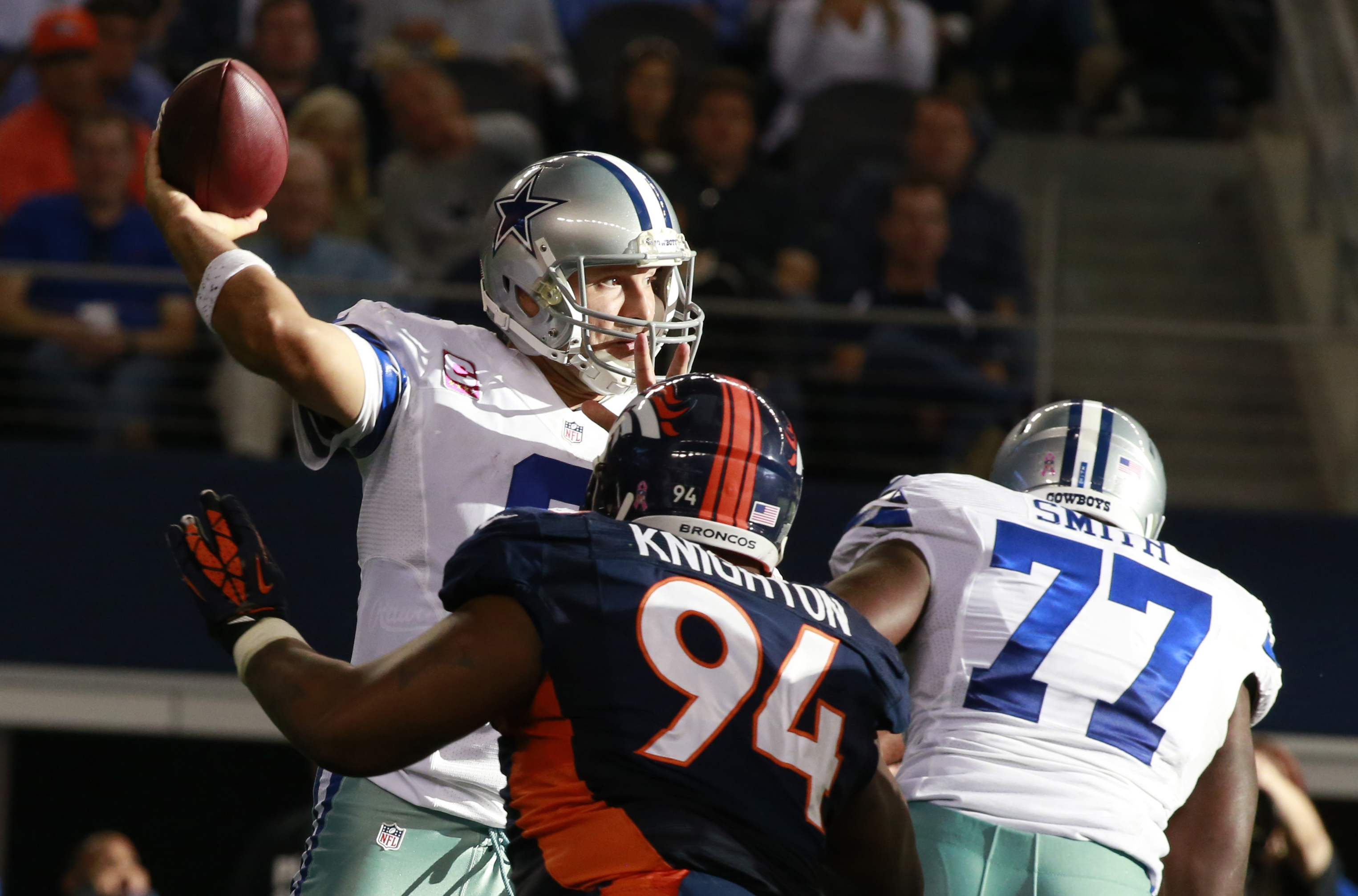 Tony Romo didn't have any issues delivering the deep ball in Week 5. (USAT)