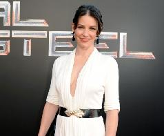 Evangeline Lilly sports white at the &#39;Real Steel&#39; Los Angeles premiere at The Gibson Amphitheatre in Universal City, Calif. on October 2, 2011  -- Getty Images