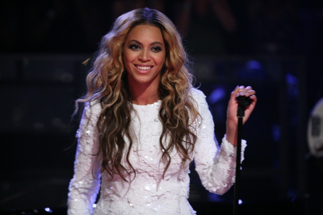 Beyonce performs on &#39;Late Night With Jimmy Fallon&#39; on July 28, 2011 -- Getty Premium