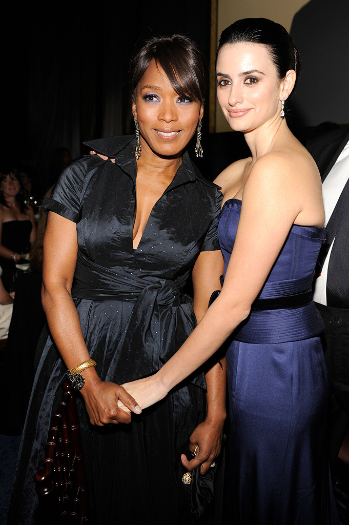 14th Annual Critics' Choice Awards 2009 Angela Bassett Penelope Cruz
