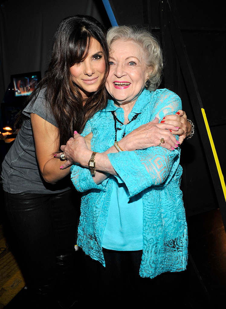 2010 Teen Choice Awards Sandra Bullock Betty White