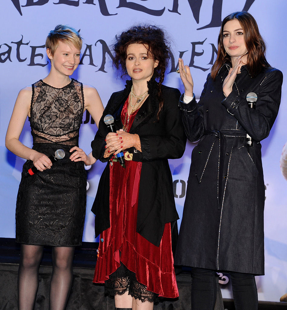 Alice in Wonderland Fan Event 2010 Mia Wasikowska Helena Bonham Carter Anne Hathaway