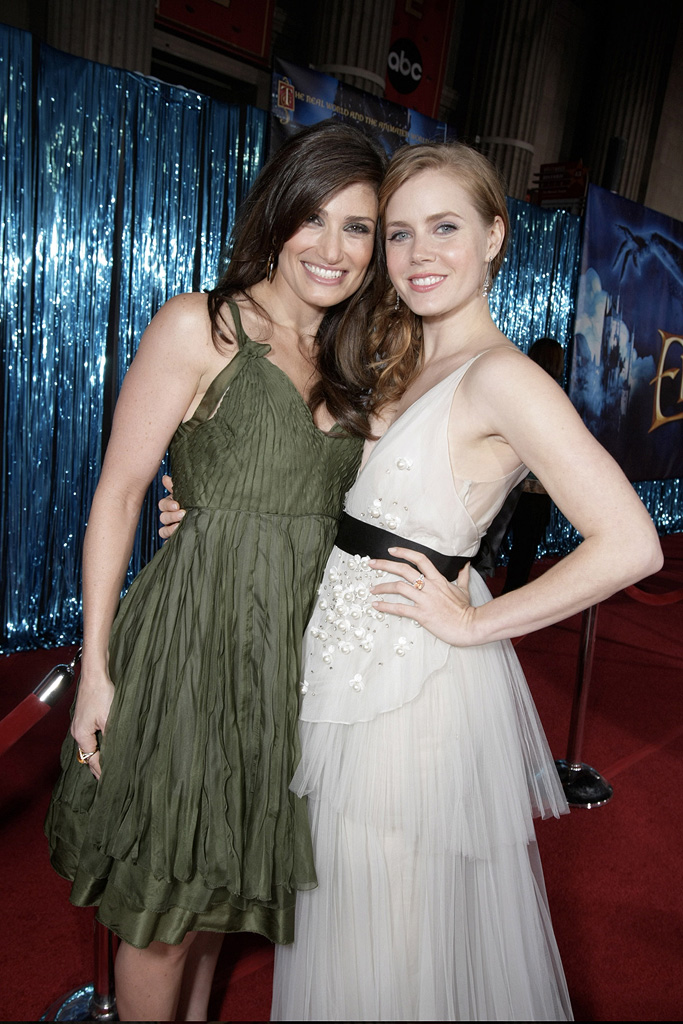 Amy Adams Idina Menzel 2007