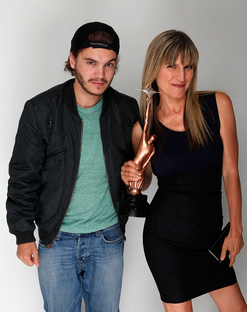 Hollywood Life Young Hollywood Awards 2009 Emile Hirsch Catherine Hardwicke