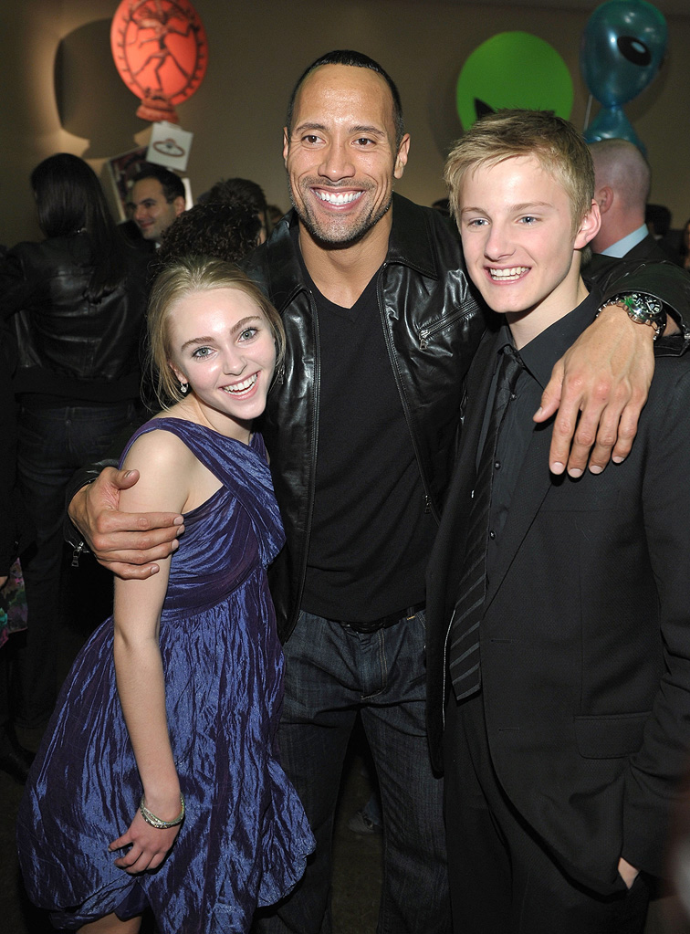 Race to Witch Mountain LA premiere 2009 AnnaSophia Robb Dwayne Johnson Alexander Ludwig