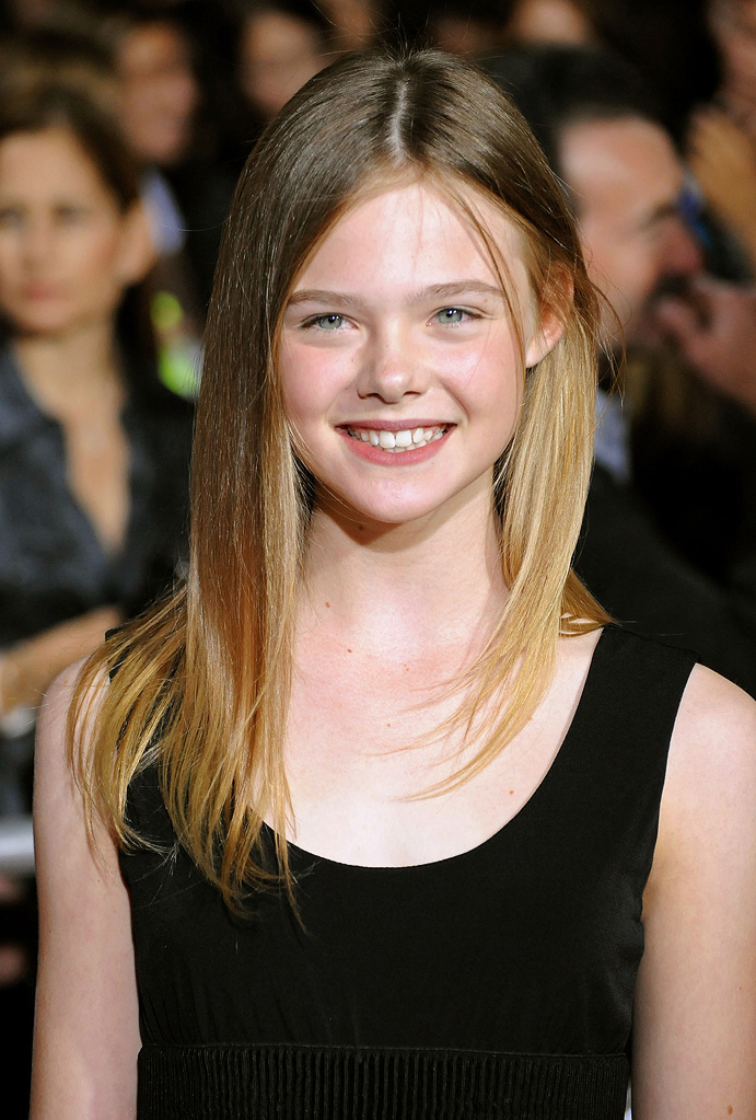 Twilight Saga New Moon LA Premiere 2009 Elle Fanning
