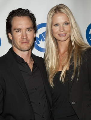 Mark-Paul Gosselaar Ties The Knot