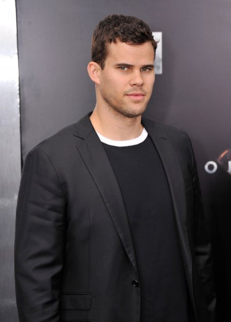 Kris Humphries Posts Insensitive Tweet After Bruce Jenner Interview, Apologizes