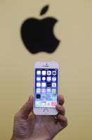 Get A New iPhone 5S For Zero Dollars, Just By Finding A Surviving Radio Shack