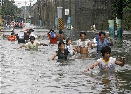 philippines rushes aid to 850,000 people affected by floods