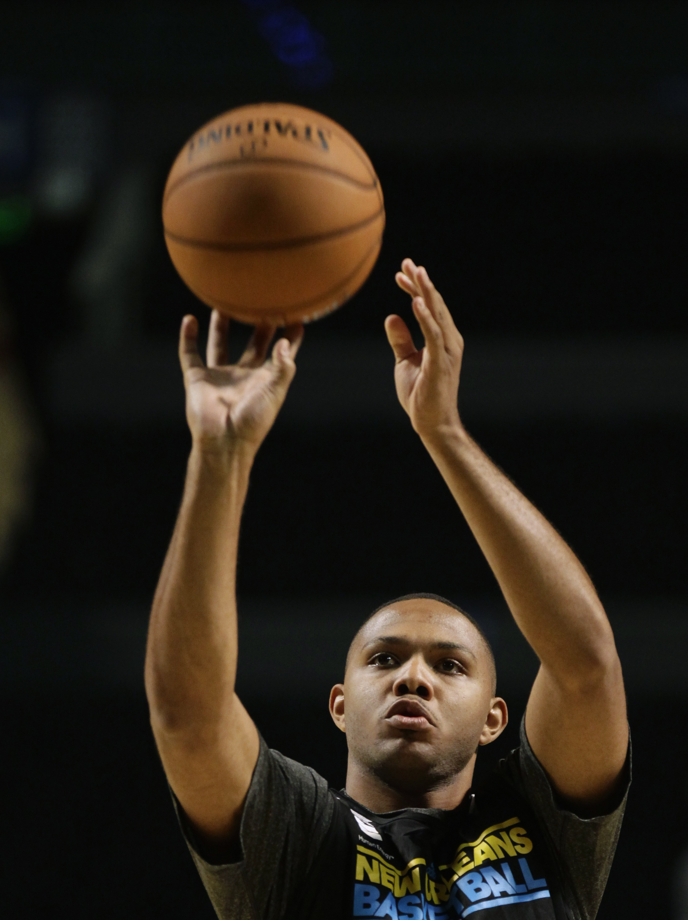 Eric Gordon expects to return soon from a knee injury that has sidelined him all year. (Reuters)