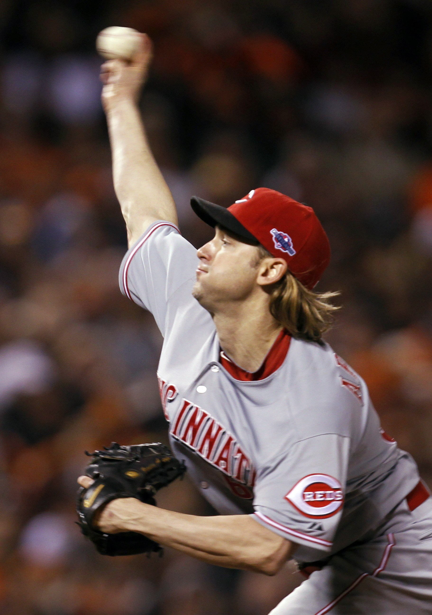 Bronson Arroyo allowed just one hit over seven innings in the Reds' 9-0 victory. (Reuters)