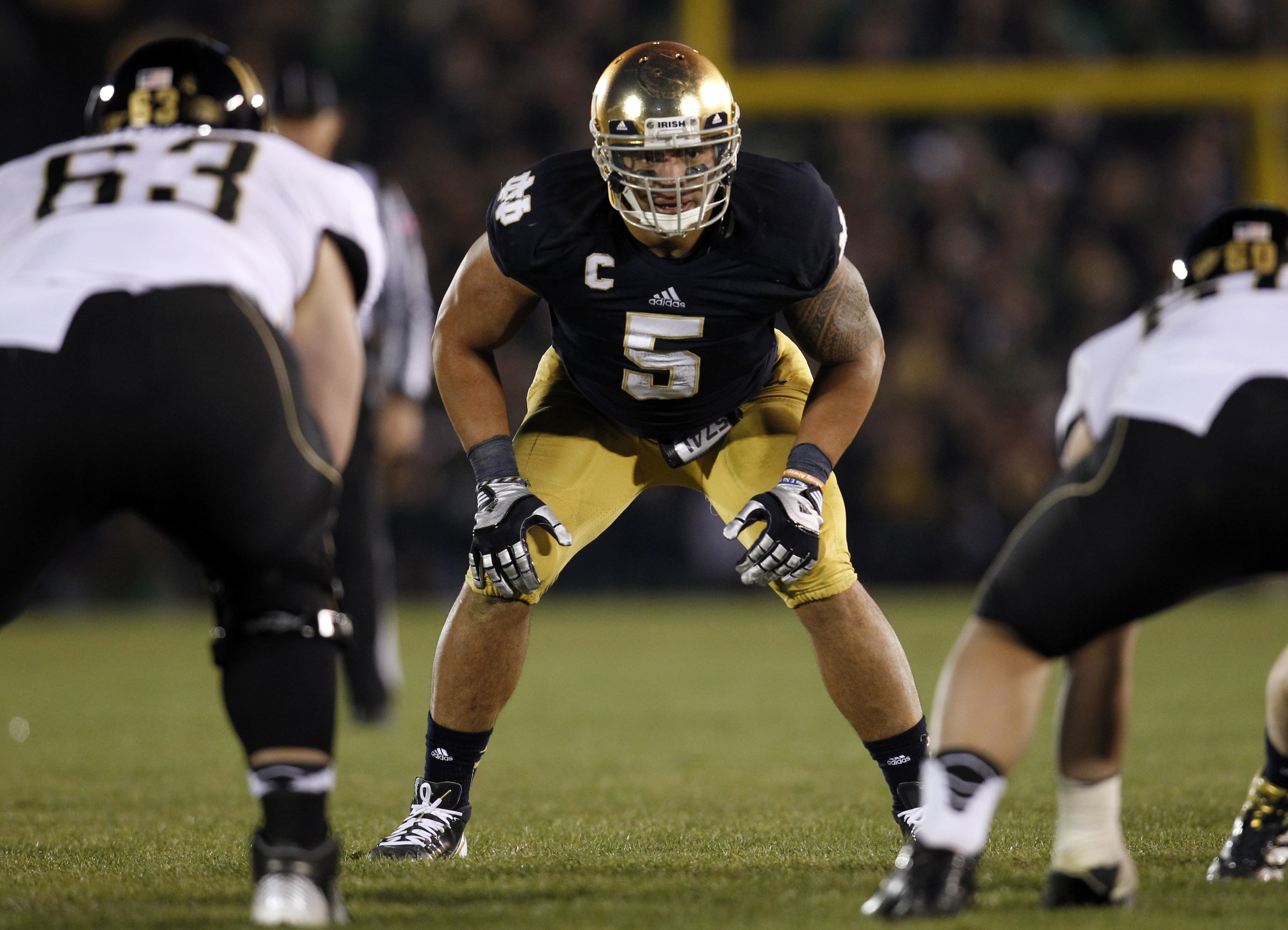 Heisman favorite Manti Te'o faces another test this week against USC. (Reuters)