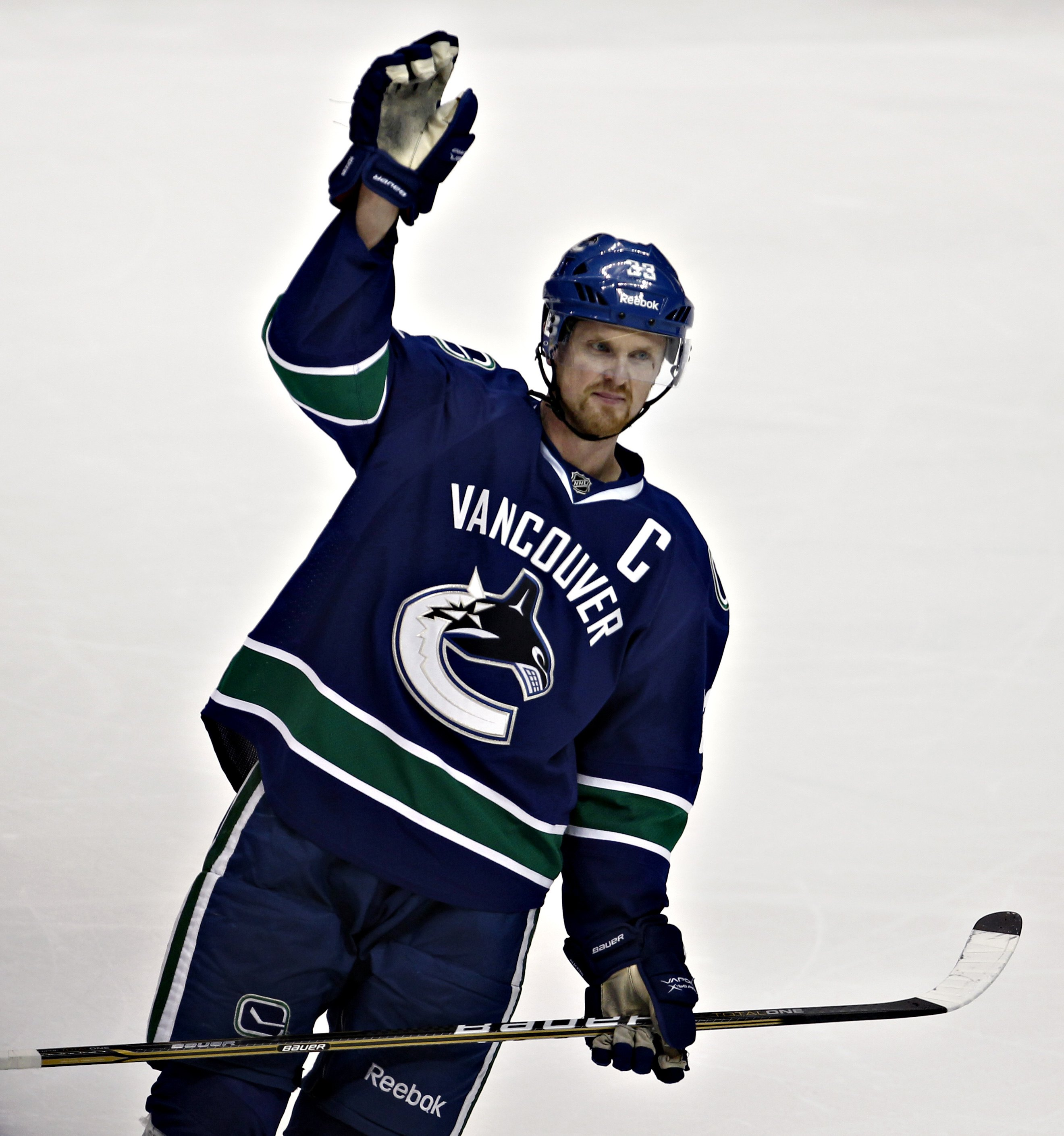 Henrik Sedin passed Markus Naslund for Vancouver's all-time franchise scoring lead. (Reuters)