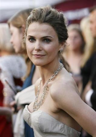 Actress Keri Russell, dressed in Nina Ricci and wearing jewelry from H. Stern, arrives at the 80th annual Academy Awards, the Oscars, in Hollywood February 24, 2008. REUTERS/Mario Anzuoni