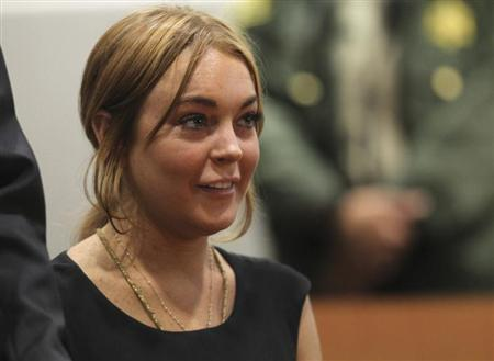 Actress Lindsay Lohan attends a probation violation hearing at Airport Branch Courthouse in Los Angeles, California January 30, 2013. REUTERS/David McNew/Pool