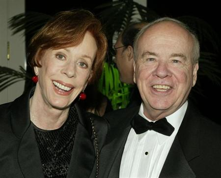 Actor Tim Conway poses with actress Carol Burnett at the Academy of Television Arts & Sciences 15th annual Hall of Fame ceremony in this file photo taken November 6, 2002 in Beverly Hills. REUTERS/Fred Prouser