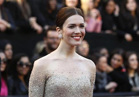 Singer and actress Mandy Moore arrives at the 83rd Academy Awards in Hollywood, California, February 27, 2011. REUTERS/Lucas Jackson