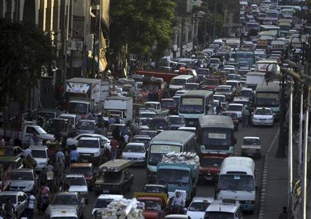 Cars are stuck in a traffic jam in downtown Cairo September 4, 2013. REUTERS/Amr Abdallah Dalsh