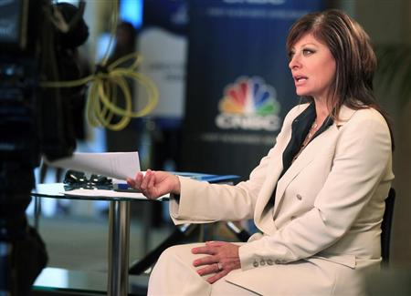"Television journalist Maria Bartiromo, anchor of CNBC's ""Closing Bell with Maria Bartiromo,"" is shown on location at the Milken Institute Global Conference in Beverly Hills, California April 29, 2013. REUTERS/Fred Prouser"