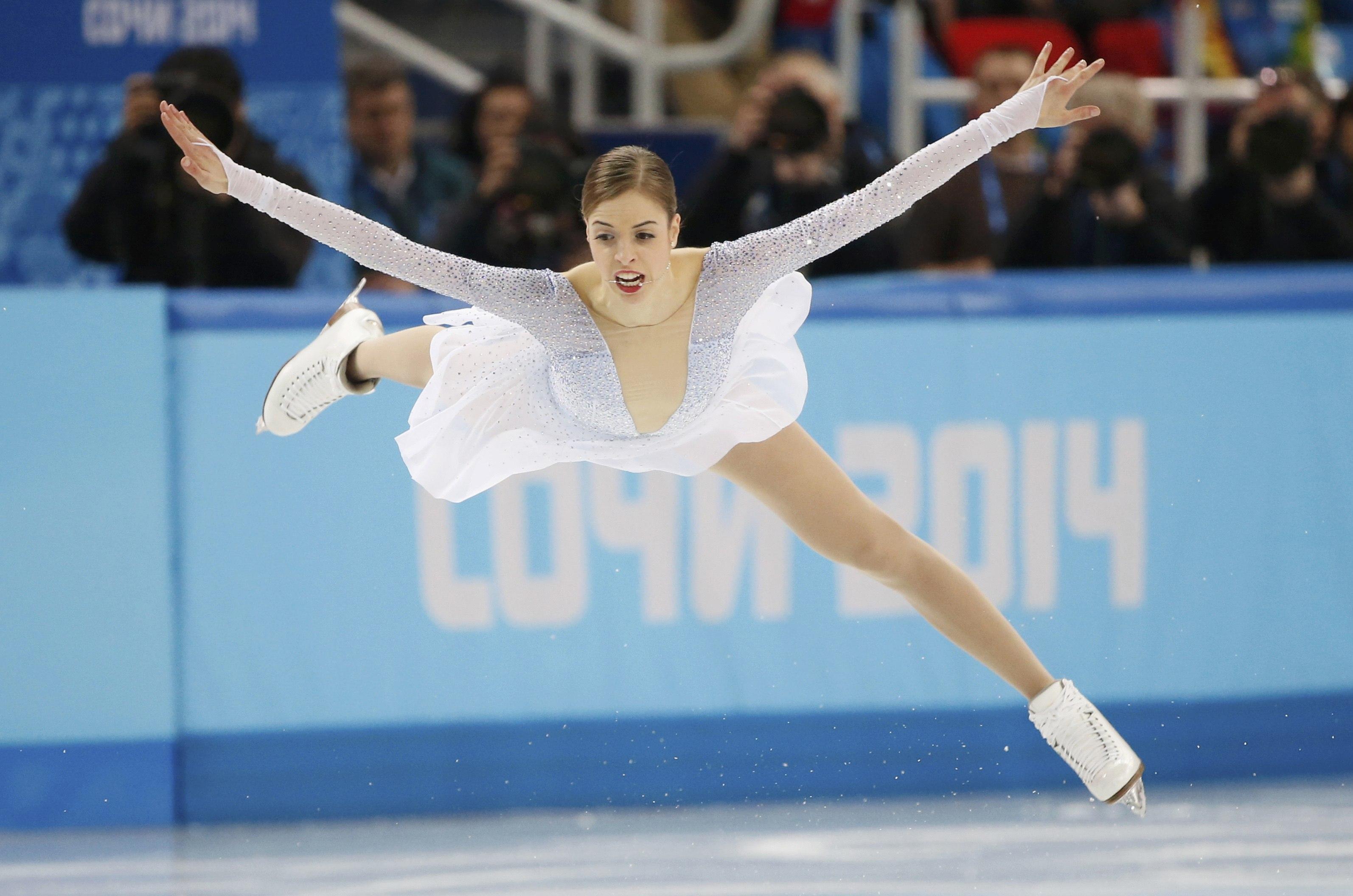 56的高分惊艳夺冠,成为南韩历史上,第一位花式滑冰奥运会冠军.