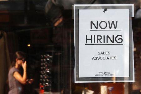 Economy improves: Unemployment claims drop, housing market gains