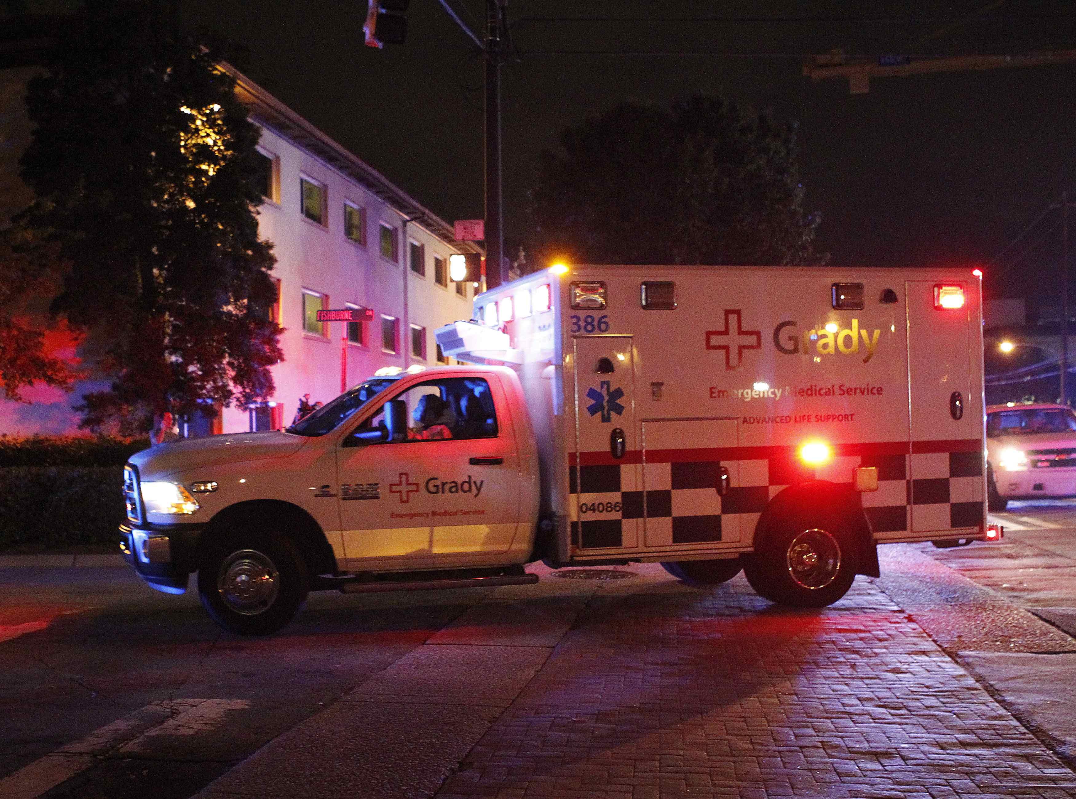 Ebola-stricken nurse's family defends her Ohio trip