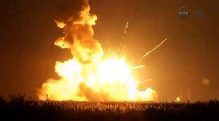 Probe of Virginia rocket blast begins; space station supplied