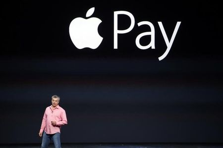 Wal-Mart and allies in face-off with Apple Pay over mobile payments