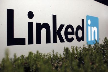 Hiring business drives LinkedIn's revenue beat