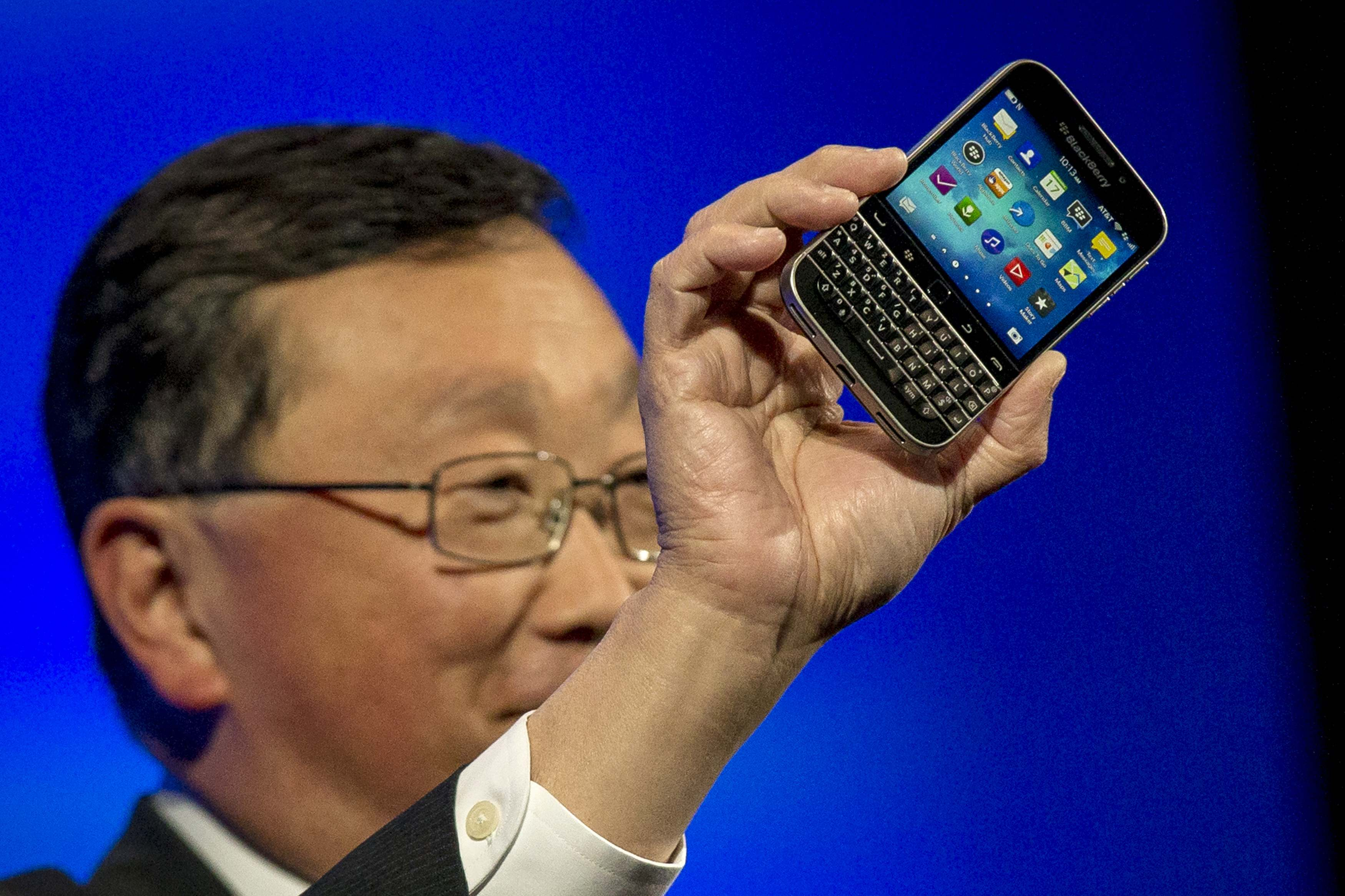 BlackBerry woos keyboard loyalists with launch of Classic