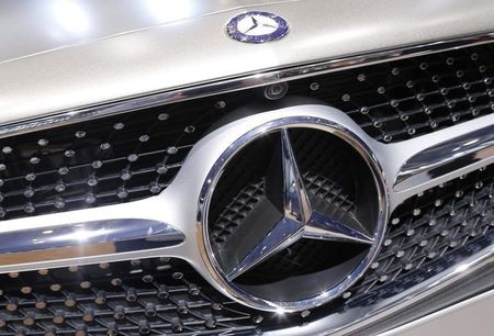 Mercedes recalls 4,871 cars, SUVs in U.S. for possible oil leak