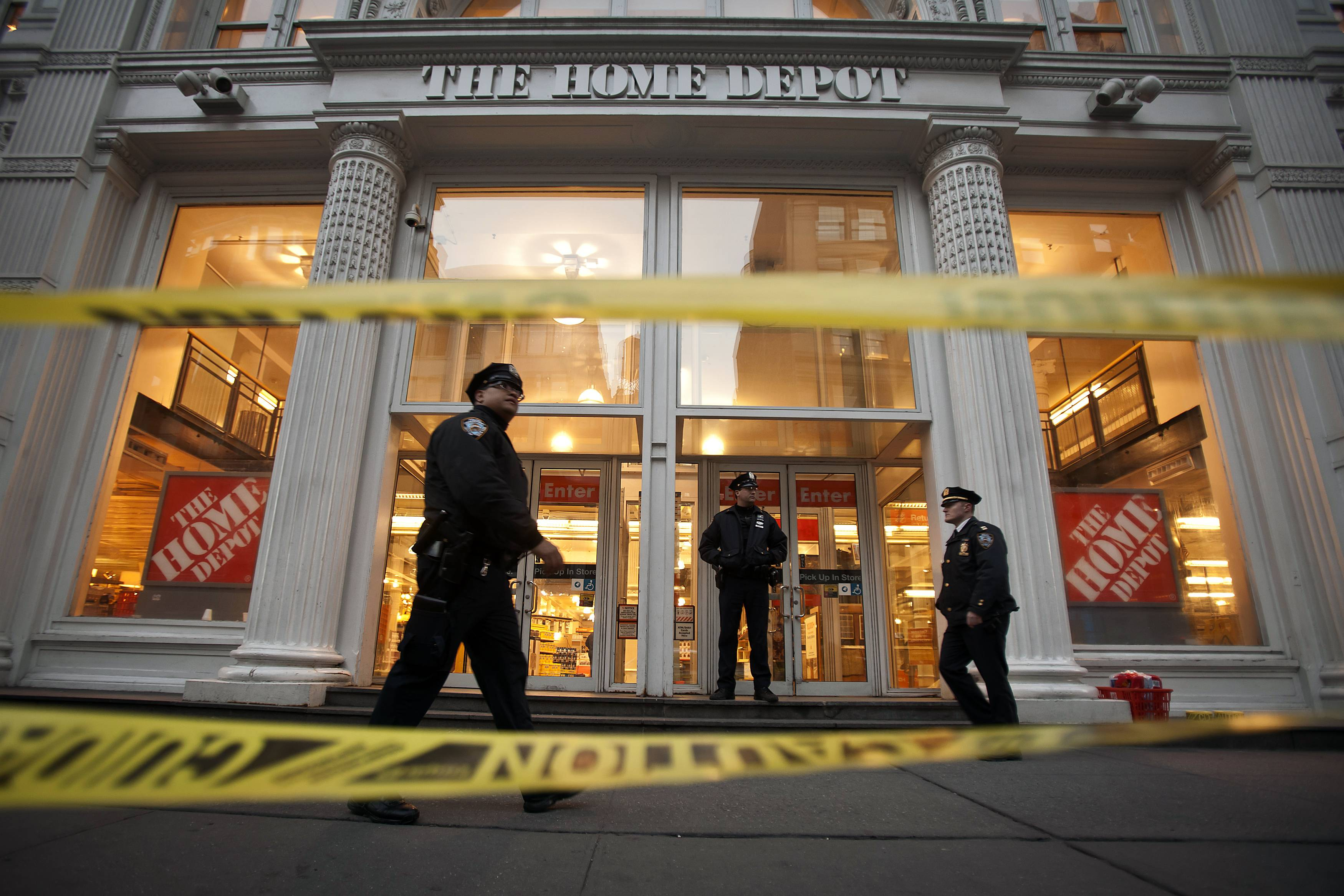 2 dead in shooting at nyc home depot for Home good stores nyc